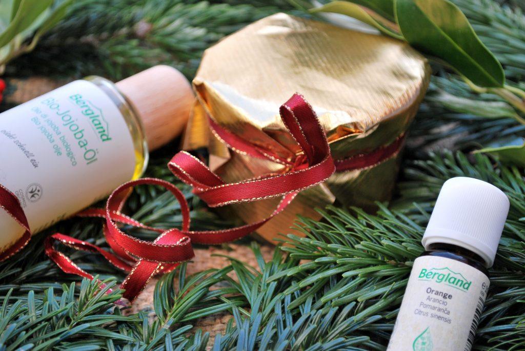 Last Minute Christmas Gift DIY: Homemade Body Oil