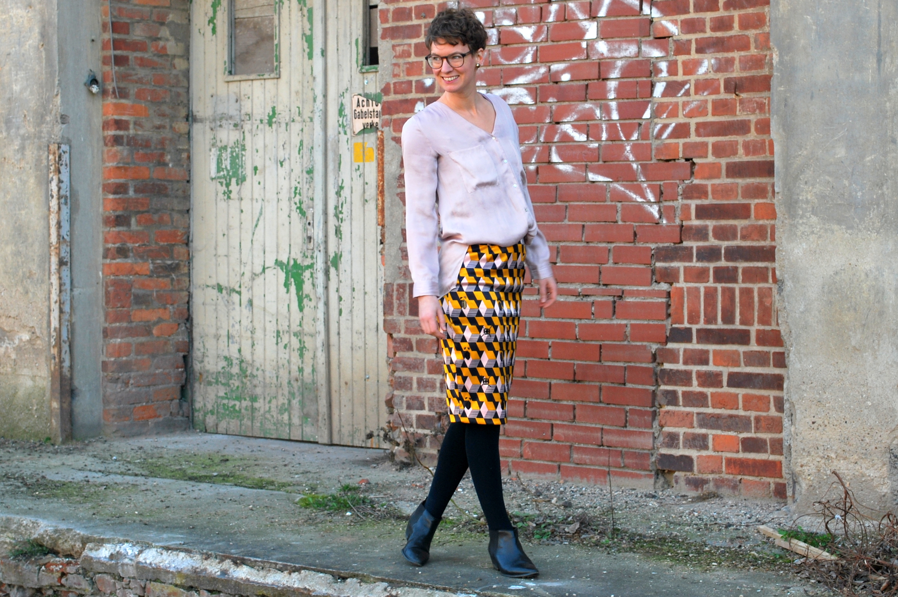 Pencil Skirt Second Hand Look