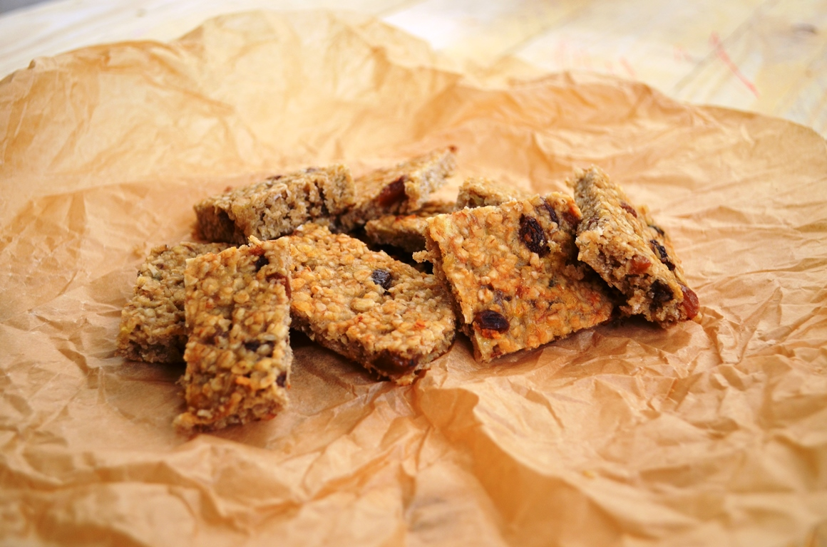 The Easiest and yet the Best Raisin and Oat Cookies (vegan, refined sugar free, oil free)