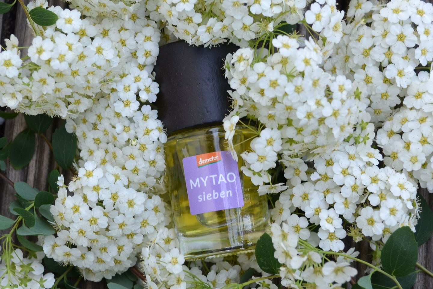 Natural Perfume – Why to Choose Them and Which Ones to Choose
