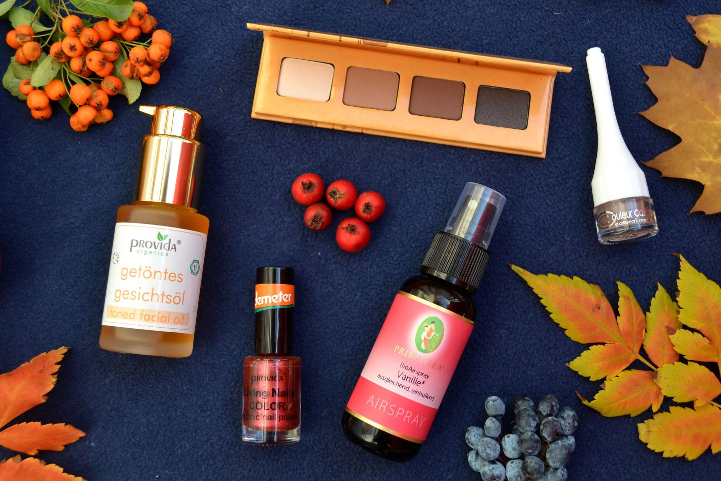 Fall Favorites 2018 (Natural Cosmetics, Books, Vegan and Natural Supplements)