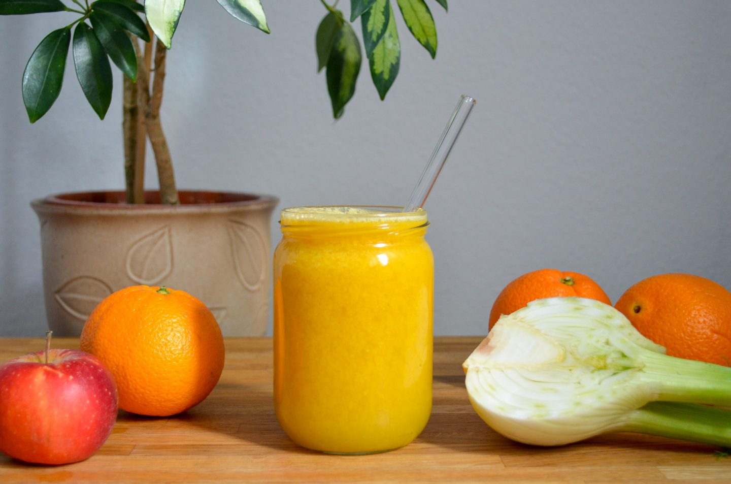 Three Juice Recipes for every Stage of Pregnancy: Rich in Nutrients and Mild in Taste!