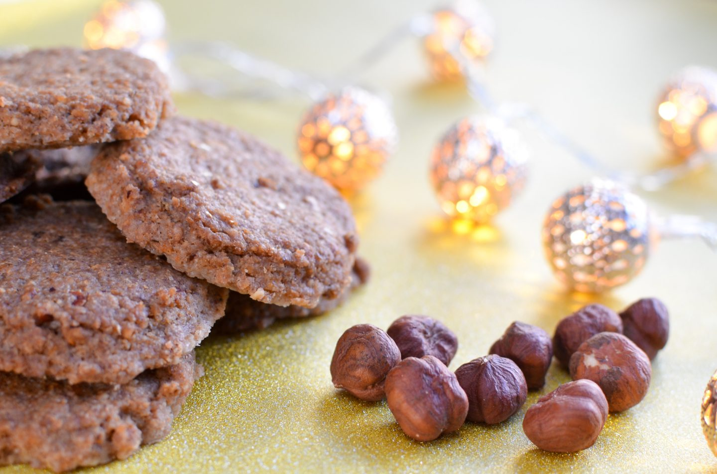 Healthy Vegan Hazelnut Cookies for the Advent Season