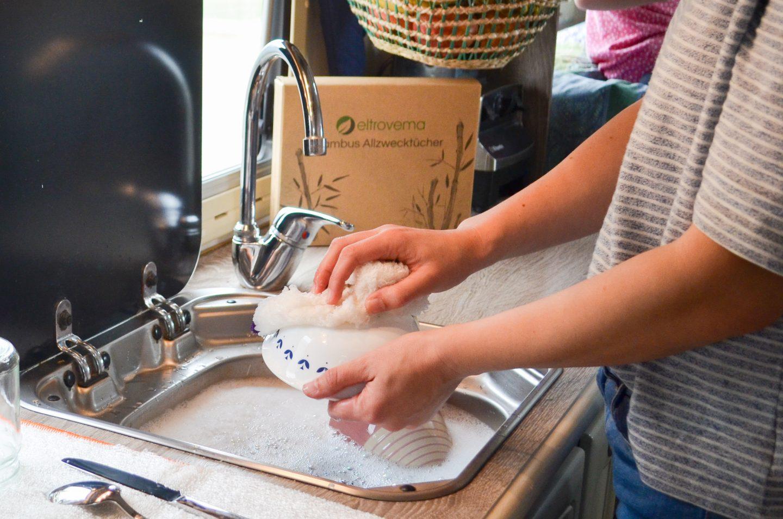 Natürlich, Nachhaltig und Plastikfrei Putzen – mit eltrovema Bambustüchern!
