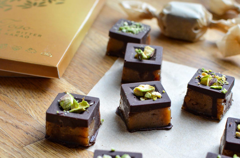 Dattel-Karamell-Fudge mit Togo Feinbitter Schokolade von Naturata